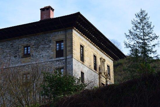 Goizueta, España: Otra foto del Palacio de Alduncin