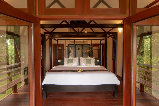 View in to Deluxe Comfort Bungalow double room