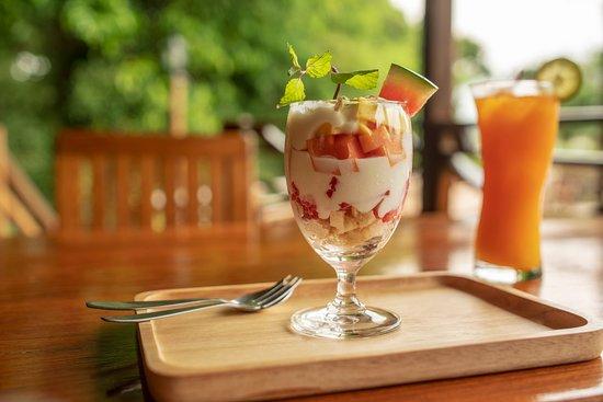 Sweet fruit and yogurt dessert