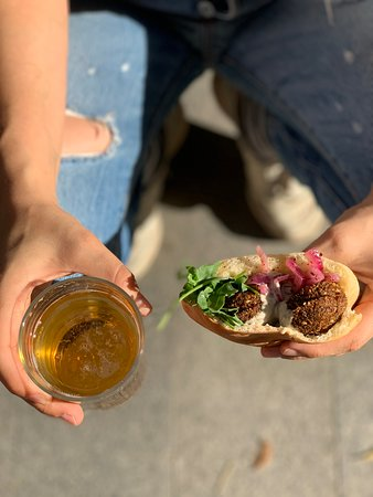 Pan de pita con falafel