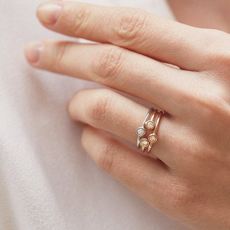 rings with diamonds in gold