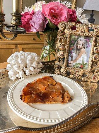 Pordic, France: La délicieuse tarte Tatin Maison