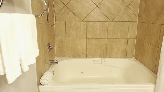 Jacuzzi/Jetted Tub