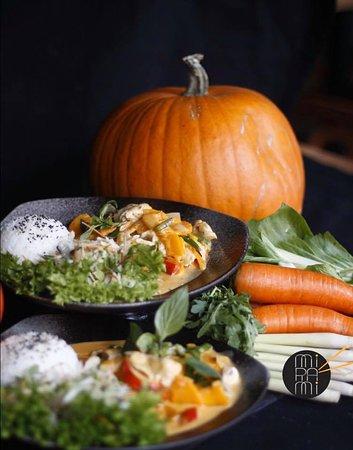 KÜRBIS-SPECIAL 🎃  Eines der Top-zutaten für diesen Herbst und Winter ist definitiv der Kürbis. Egal ob als Püree, Suppe oder gedämpft. Er schmeckt immer. Findet ihr nicht auch?