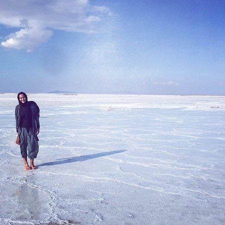 Varzaneh salt lake