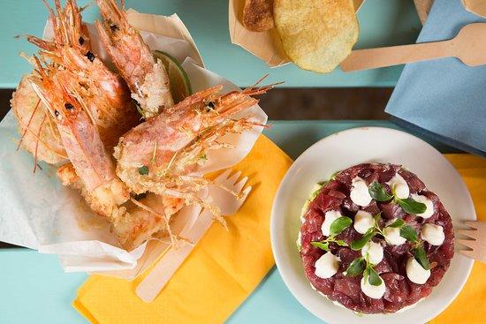 Tartare di tonno, maionese al tartufo, avocado e frittura di gamberi