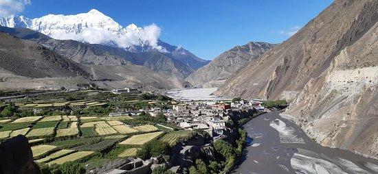 Kagbeni, Nepal: Nepal is a rich Culture and Historical and mountain destination in the world. Special for Upper Mustang Adventure Tour and Treks. every year thousand more Traveler make trip to this place. get memorable Experience in life and impresse for Others. Mustang is Natural and Colorful beautiful mountains with Kaligandaki River Beach and greenery panoramic view. every Traveler makes impress for other to come to Mustang Himalaya Treks. so welcome to Mustang Himalaya natural Trek. www.everesttreknepal.com