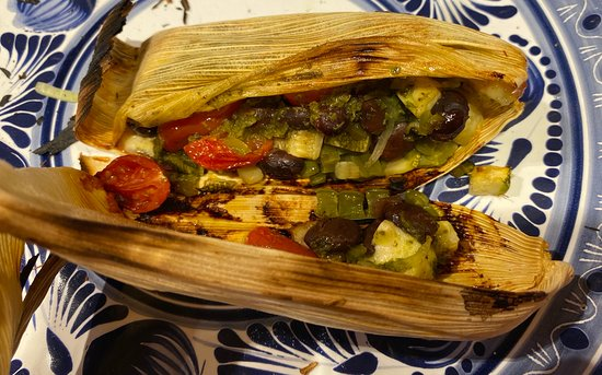 Authentieke Mexicaanse hands-on kookles en markttour: The tamale is ready to eat