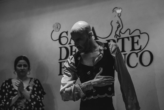 TRATIONAL FLAMENCO SHOW