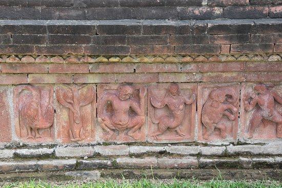 Somapura Mahavhira  - altos-relevos