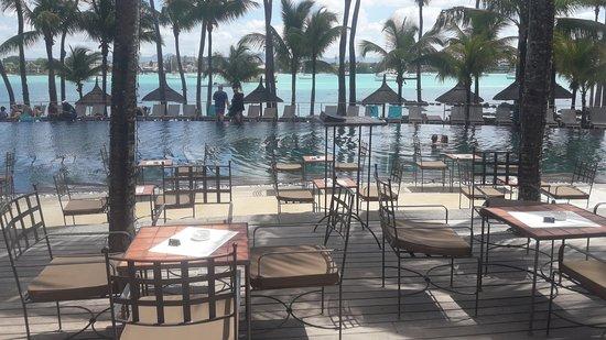 Mauritius: Terrazza tra piscina e spiaggia