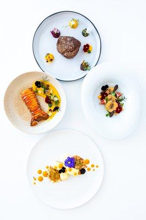 Casa restaurant dinner plates