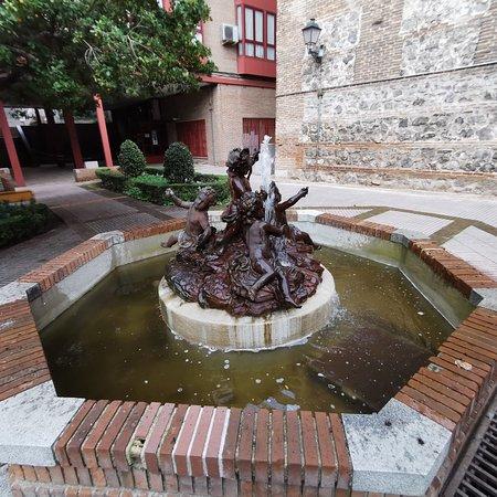 Fuente de bronce.