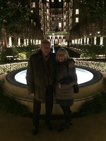 My dear lady and I wandered into the courtyard which was beautifully illuminated in pure white lights. just wonderful!!