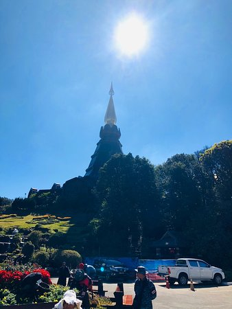 This is Doi Inthanon Nature Park In Chiangmai Thailand here is beatiful. are You should visit this is atmosphere very well and you should come much from November to January, which is the cold season, the weather is not hot, not too cold.