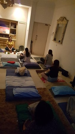 Group Sound Bath for 1 hour. Immerse yourself completely into the vibration if sound for a deep relaxation