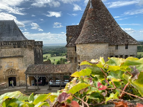 Biron, צרפת: Beautiful fall day at Chateau Biron