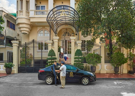 Palace Gate Hotel & Residence