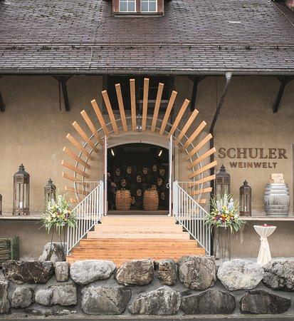 Seewen, Suiza: Eingang zum Besucherzentrum SCHULER Weinwelt