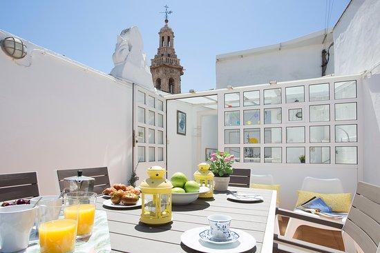 Valencia, İspanya: Presentamos la terraza de nuestro apartamento Catalina