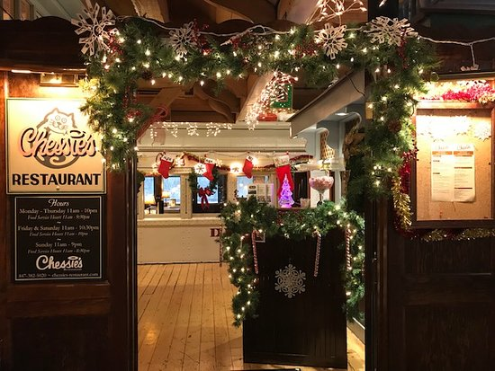 Chessie's Restaurant for the holiday season