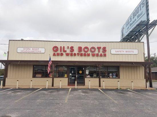 Gil's Boots & Western Wear