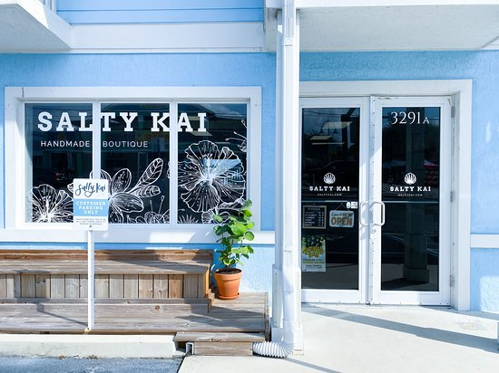 Jensen Beach, FL: The outside of Salty Kai boutique.