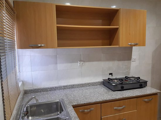 Ikeja, Nigeria: This is the kitchen space. standard big size and all kitchen fittings properly fitted.