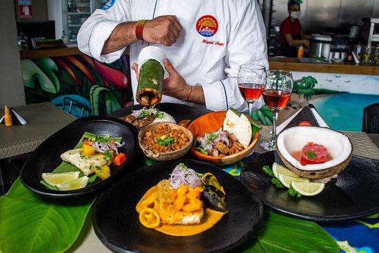 We are in love with the flavors of traditional Colombian cuisine.  Estamos enamorados de los sabores de la cocina tradicional colombiana.