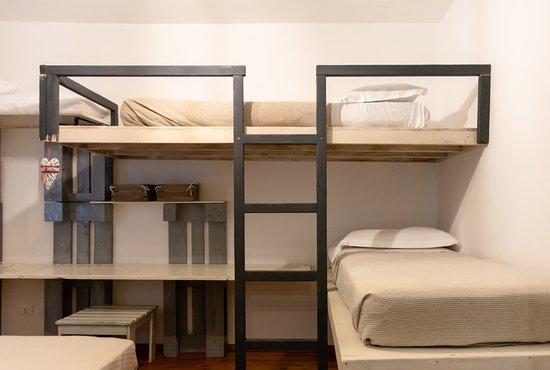 Isolabona, Италия: La camera con i letti a castello