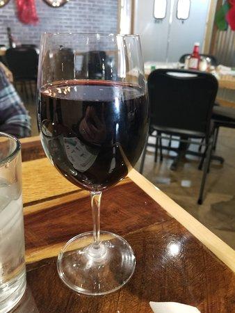 Carlisle, IA: Wine pour