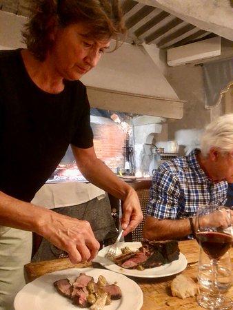 Buggiano Castello, Italija: Essen beim alten Kochherd der Villa