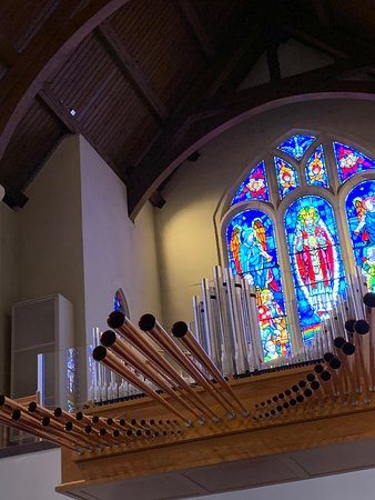The stained glass windows are beautiful; they have three distinct styles. The organ can make the walls vibrate at full power; Friday afternoon concerts draw musicians who perform for free and you can bring your lunch.