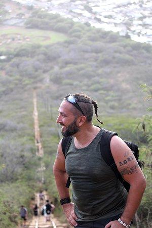 Jonathan på väg uppför Koko head.