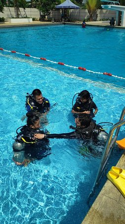Kurabesi Dive School