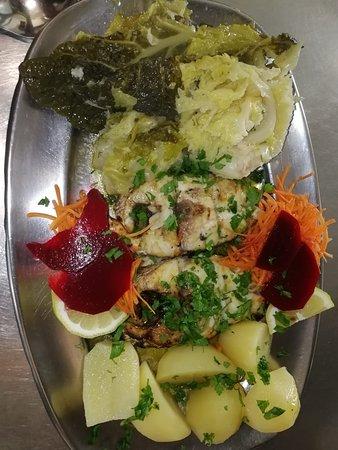 Posta de peixe; Grilled Fish; Pescado a la Parrilla, Poisson Grillé.