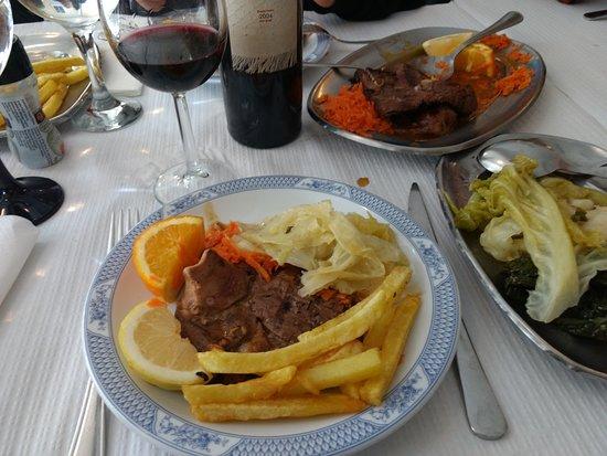 Pernil de Cabrito; Roasted Lamb; cabrito asada; chèvre rôtie. 15€ (1P) 25€ (2P)