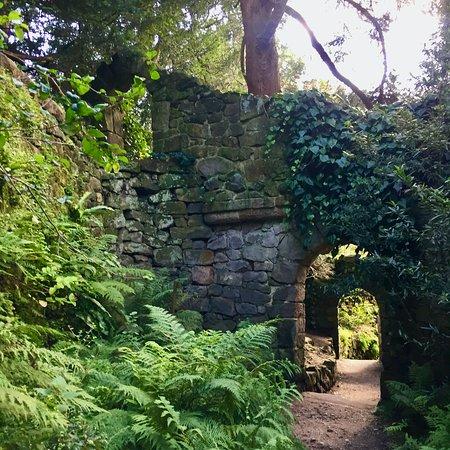 Biddulph Grange Garden: China, Great Wall