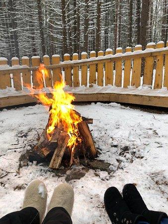 """❤Как же красивы зимние пейзажи! ❄На """"Дальнем хуторе"""" есть обустроенная лесная полянка, где можно отдохнуть и устроить чаепитие."""