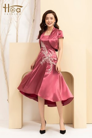 Evening satin dress with embroidery