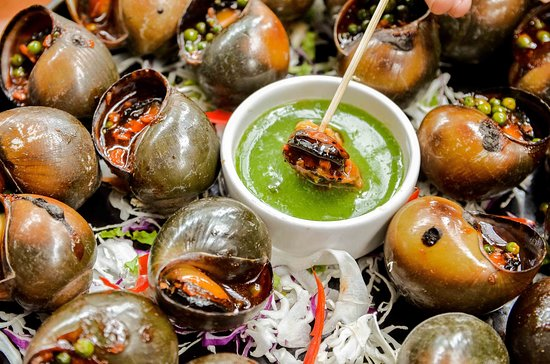 Grilled snail with green pepper
