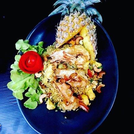 Pineapple fried rice prawns