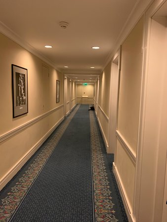 Drab bedroom Corridors