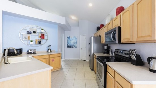Kissimmee, FL: This 6 bedroom home is located at Windsor Hills Resort, a prime Orlando location, offering a short distance of less than 10 minutes to Walt Disney World and their 4 incredible theme parks!