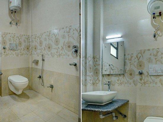 Agra, Indien: Clean Bathrooms