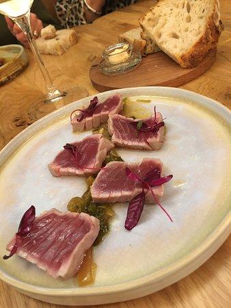 Tataki de thon / condiment soja-sésame
