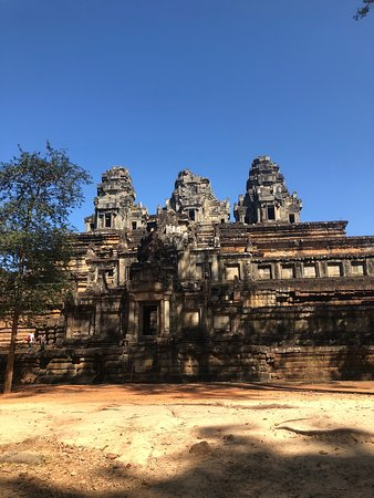 Best Angkor temples experience