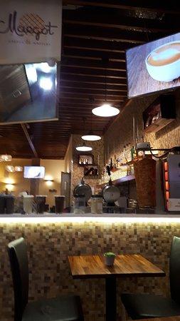 Toisen kerroksen kahvila