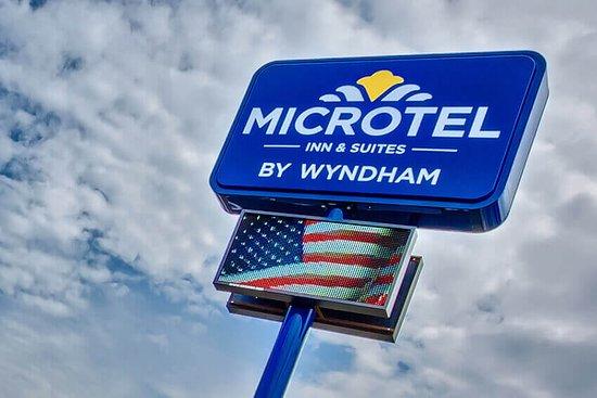 BREAKFAST AREA - Photo de Microtel Inn & Suites by Wyndham Niagara Falls, Chutes du Niagara - Tripadvisor