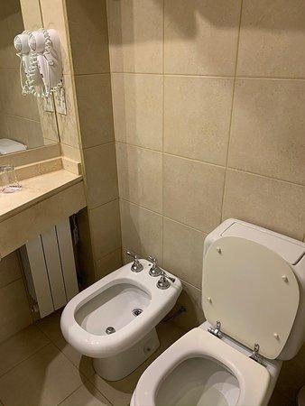 Banheiro. Secador meio fraco